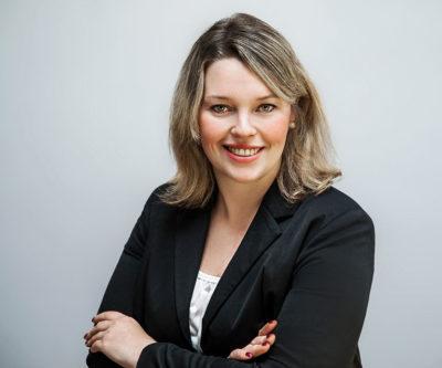 Jenny Koßmann, Steuerfachangestellte